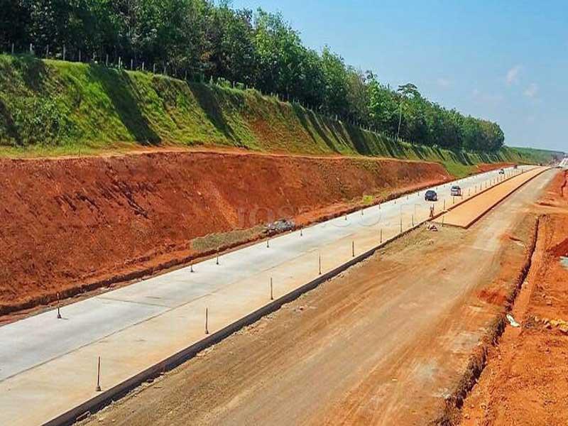 Terdampak Pembangunan Jalan Tol Batang – Semarang Ribuan Makam Direlokasi