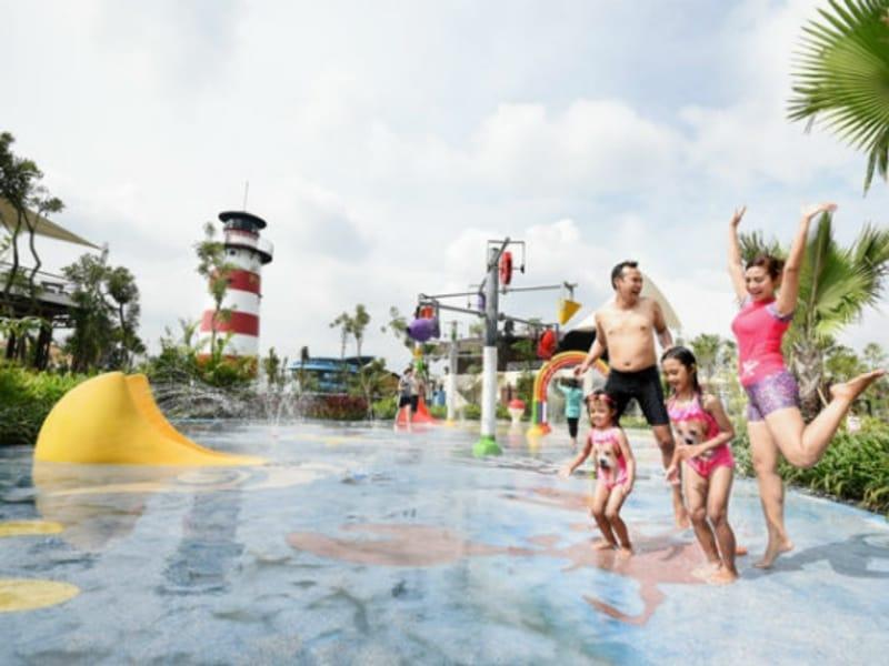 Rasakan Sensasi Mandi Salju di Jogja Bay Waterpark