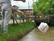 Sampah di sungai