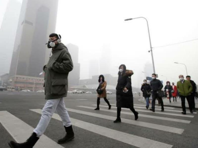 Polusi Udara Bikin Warga China Tak Bahagia