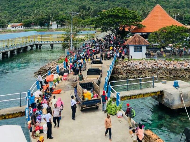 Enam Hari Tertahan Di Karimunjawa 244 Wisatawan Akhirnya Bisa