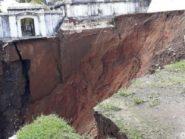 Tergerus Air, Makam Raja-Raja di Imogiri Ambrol