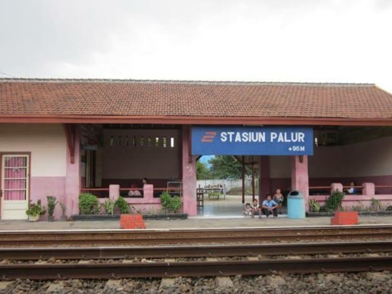 Double Track Rel KA di Stasiun Palur Segera Dioperasikan