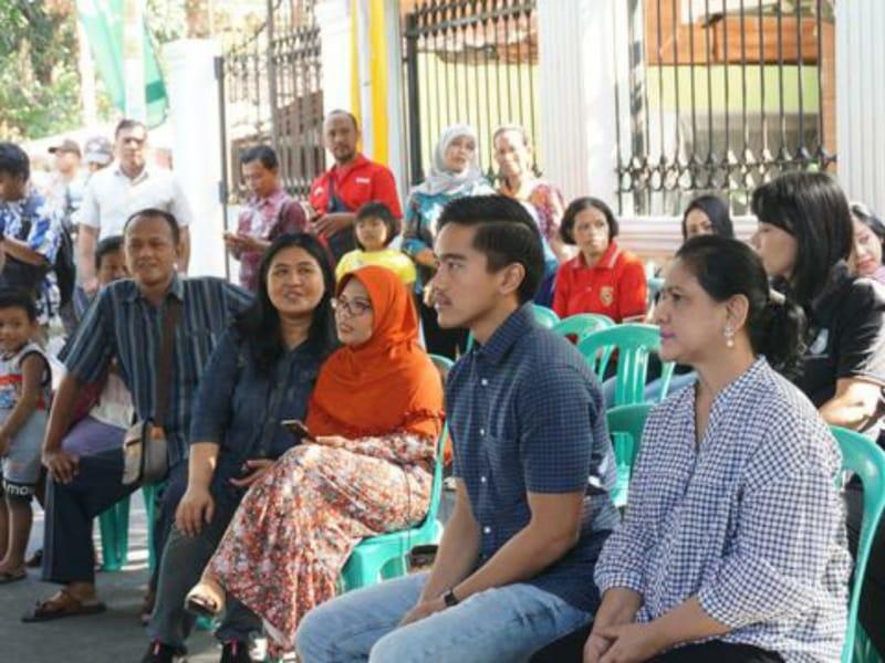 Keluarga Jokowi Nyoblos di TPS 38 Manahan Banjarsari
