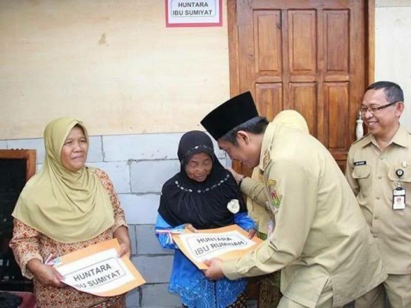 Tiga Keluarga Korban Longsor Mendapat Bantuan Huntara dari Pemkab Magelang