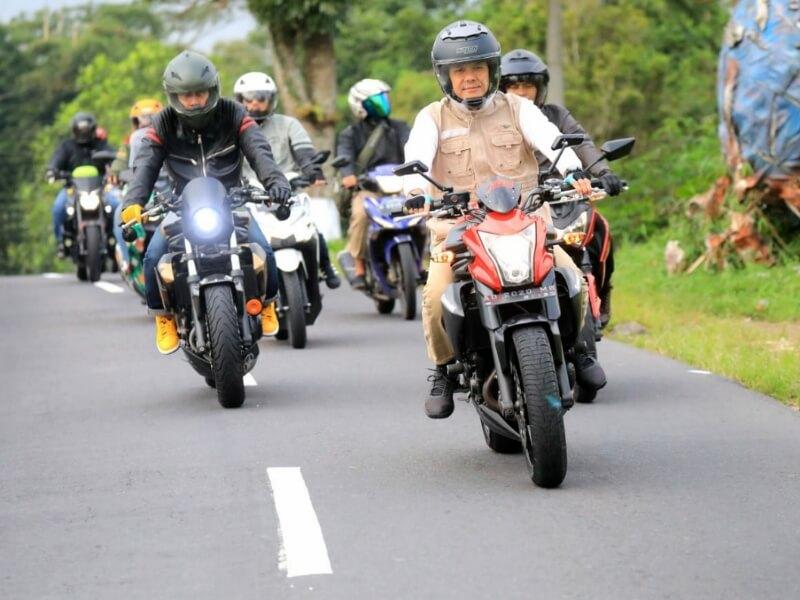 Touring Motor, Ganjar Cek Jalur Alternatif Mudik Semarang-Magelang