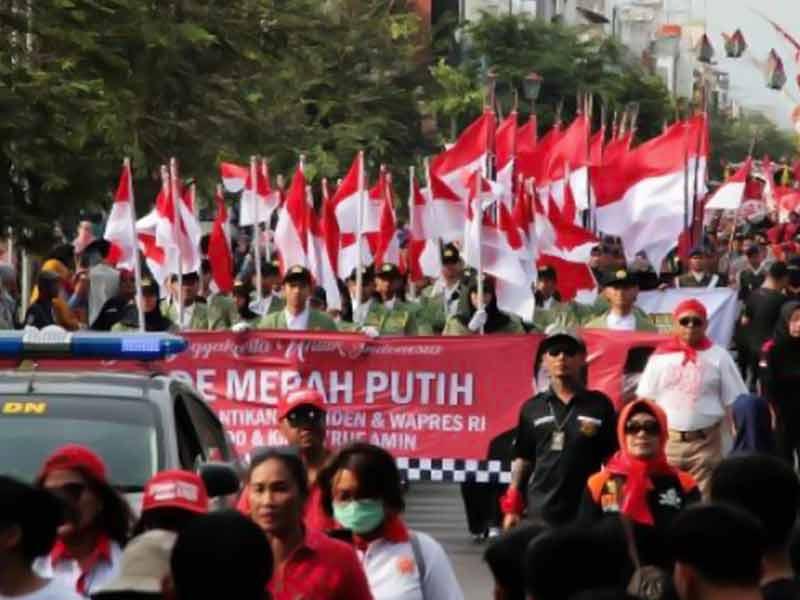 Meriahnya Parade Merah Putih Warga Jogja Sambut Pelantikan Jokowi-Ma'ruf