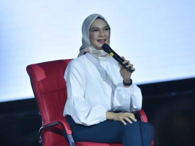 Angkie Yudistia Wakil Disabilitas Yang Jadi Staf Khusus Jokowi