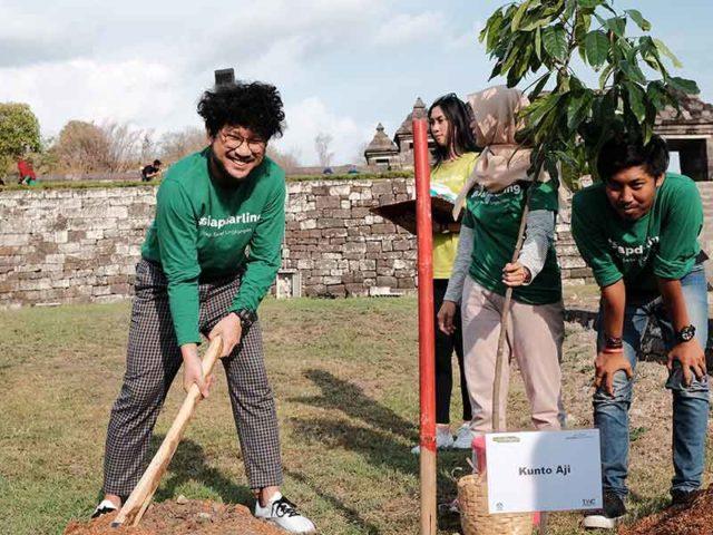 Kunto Aji Ikuti Aksi Tanam Pohon di Kawasan Candi Ratu Boko