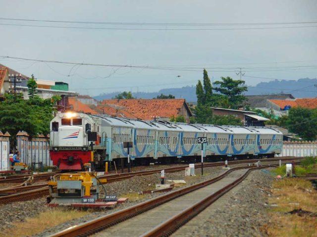 KAI Siapkan 12 Rangkaian Kereta Tambahan Hadapi Angkutan Libur Akhir Tahun