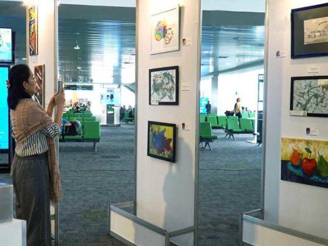 Bandara Ahmad Yani Pamerkan Lukisan Karya Komunitas Penyandang Autisme