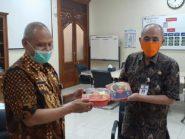 Pemilik Ayam Bakar Wong Solo Gratiskan Ribuan Paket Makanan Bagi Pemudik di Karantina