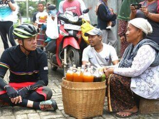 Ngepit Tanpo Ngovid, Ganjar bersepeda sekalian menyapa warga