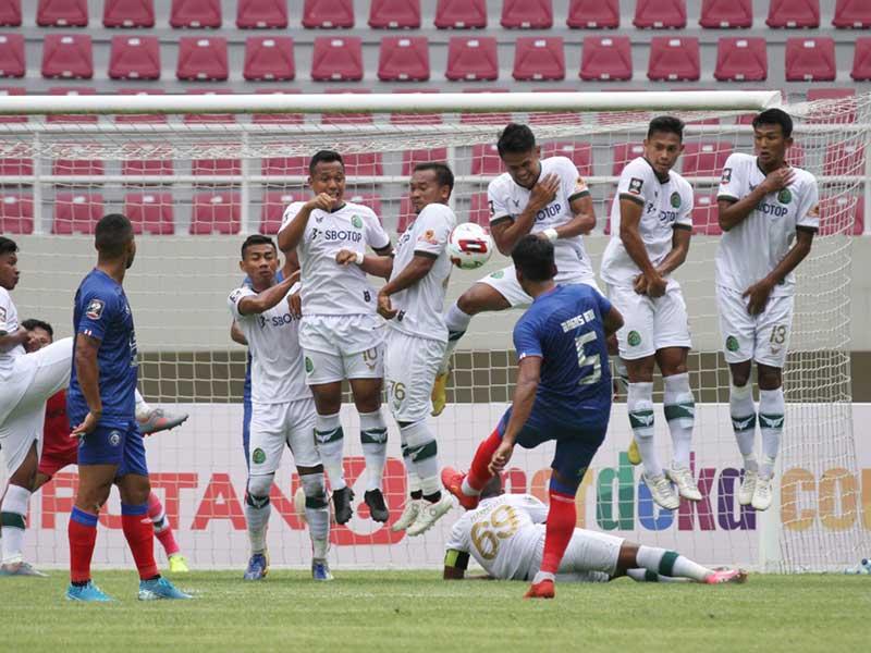 Laga Perdana Piala Menpora 2021 Arema FC - Tira Persikabo ...